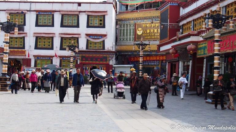que-ver-en-lhasa-calle-barkhor