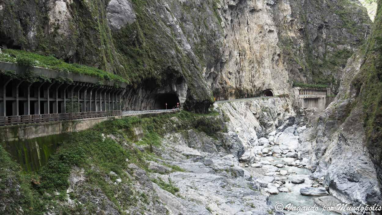 jiuqudong-trail-parque-nacional-taroko