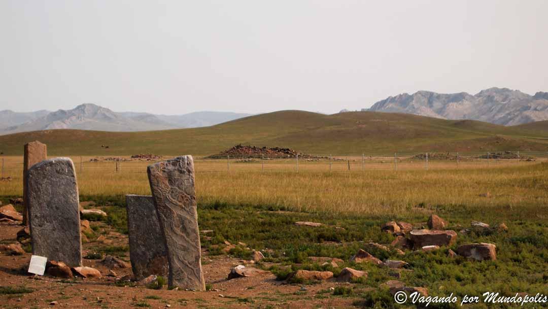 Uushigiin-Uver-deer-stones
