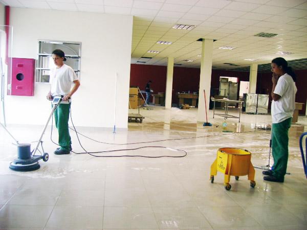 Vaga para Auxiliar de Limpeza em Abreu e Lima (CV até 27/03)