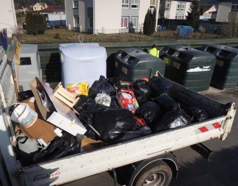 Le fruit d'une tournée de nettoyage des PAV par les agents des services techniques