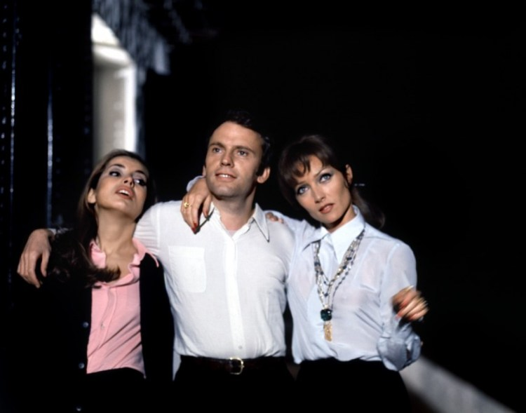 les-biches-chasing-chabrol