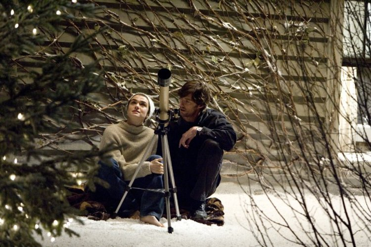 darren aronofskys requiem for a dream essay Darren aronofsky's films and the fragility of hope offers the first sustained analysis of the current oeuvre of the film director, screenwriter, and producer darren aronofsky including pi (1998), requiem for a dream (2000), the fountain (2006), the in her book on darren.