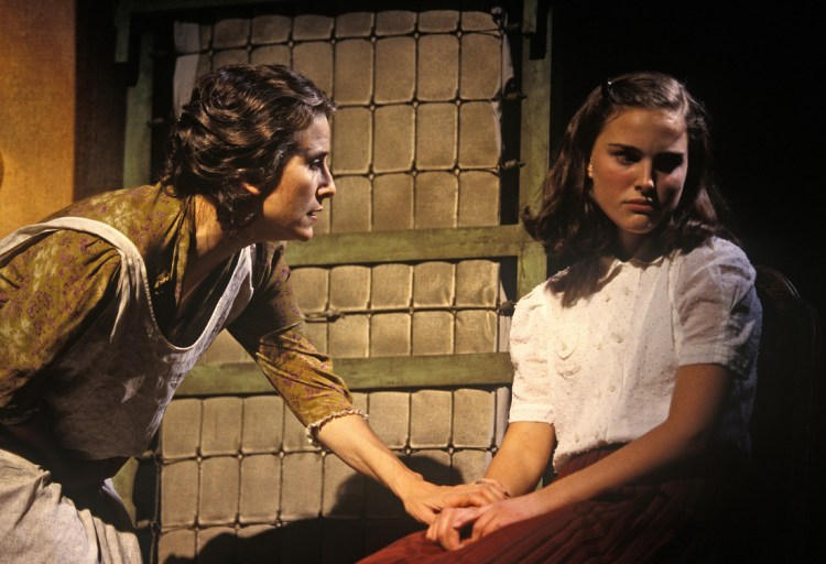 natalie-portman-the-diary-of-anne-frank-one