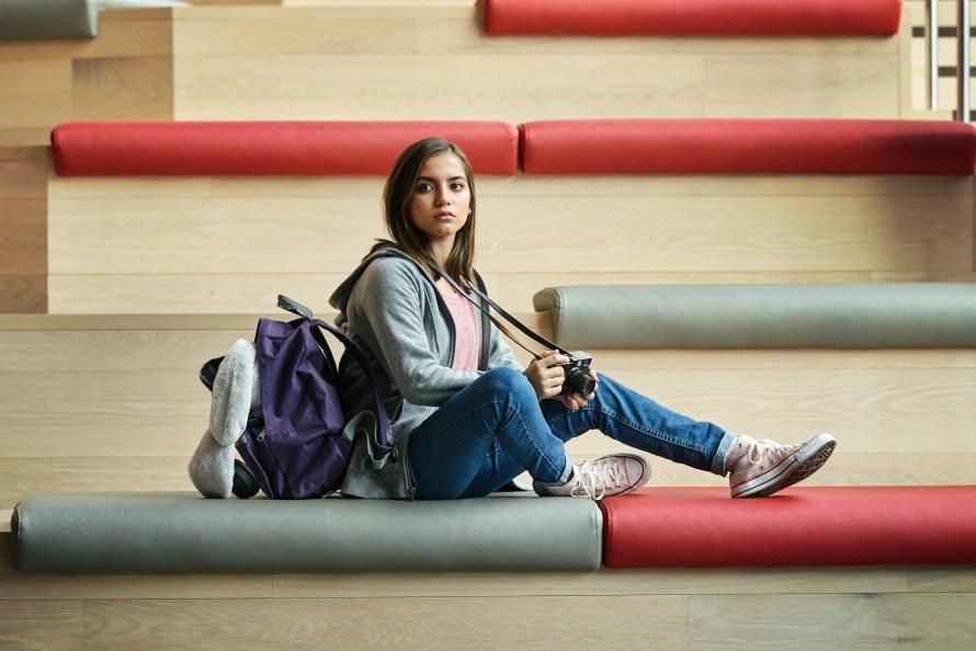 Sweet Girl on Netflix - Isabela Merced as Rachel Cooper