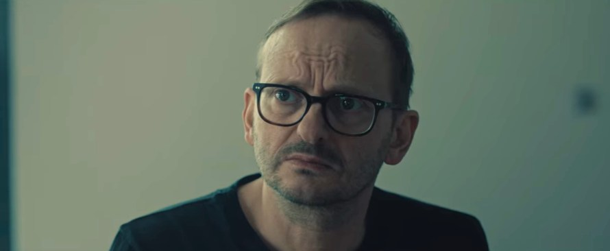 Je Suis Karl Cast - Milan Peschel as Alex Baier