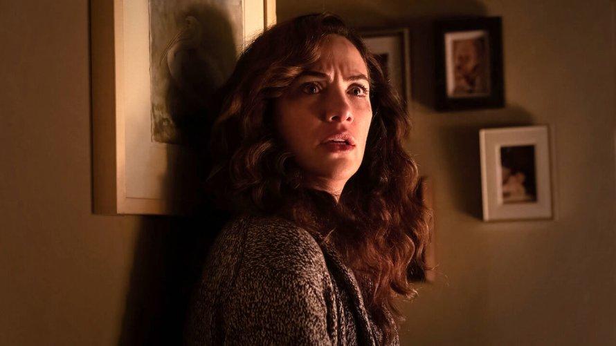 Midnight Mass Cast on Netflix - Kate Siegel as Erin Greene