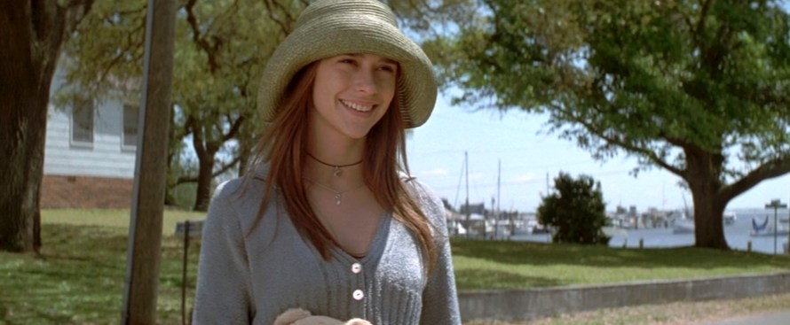 I Know What You Did Last Summer Cast - Jennifer Love Hewitt as Julie James
