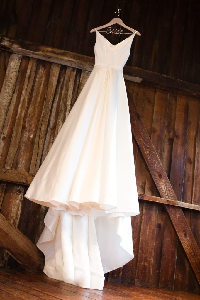 red-barn-hampshire-college-wedding-1
