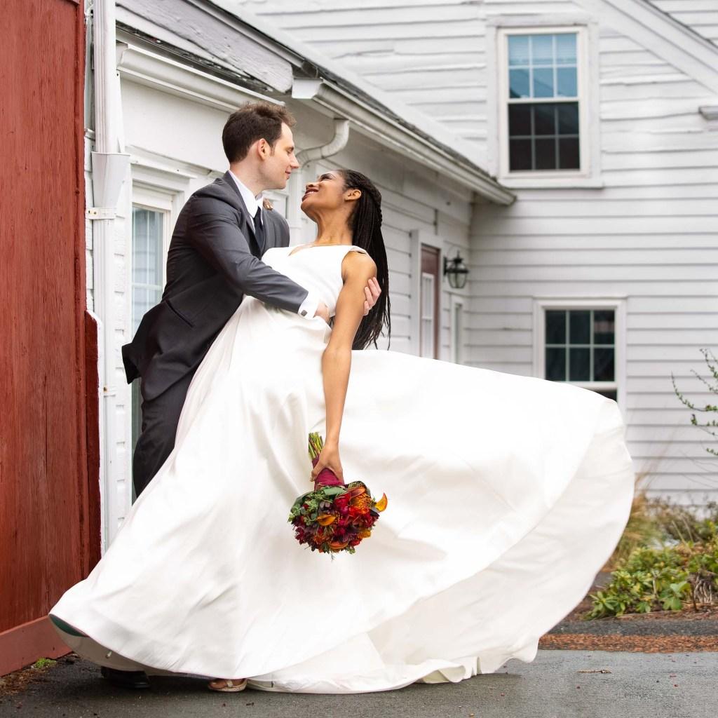 red-barn-hampshire-college-wedding-3-2
