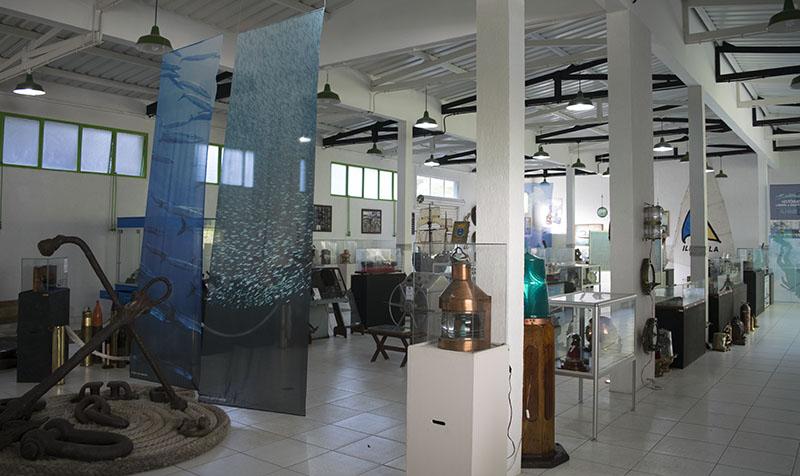 museu-nautico-ilhabela-vai-menina