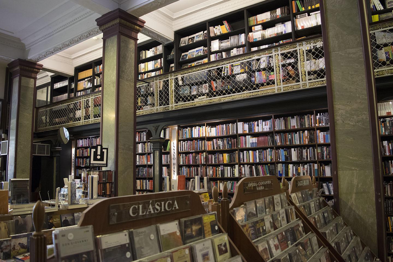 Livraria Más Puro Verso em Montevidéu - Uruguai