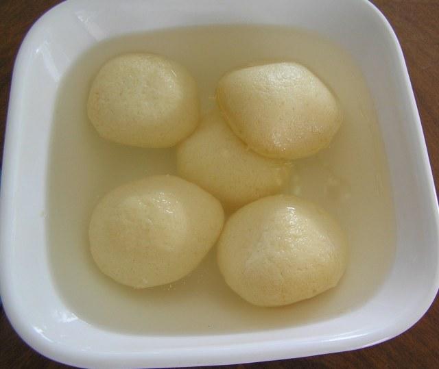 Rasagolla sweets