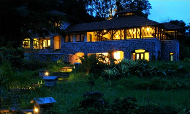 Flameback Lodges