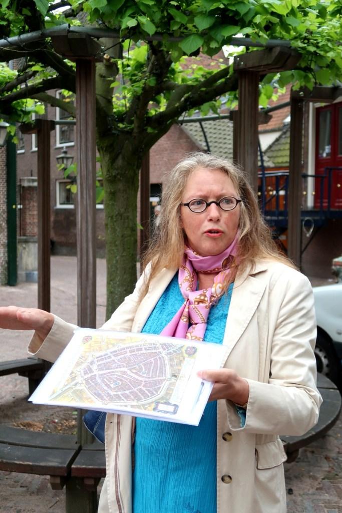 Vakantaseren, Leiden