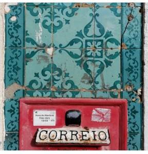 Brievenbus voor muur met azulejos