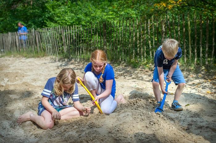 Spelen in het zand