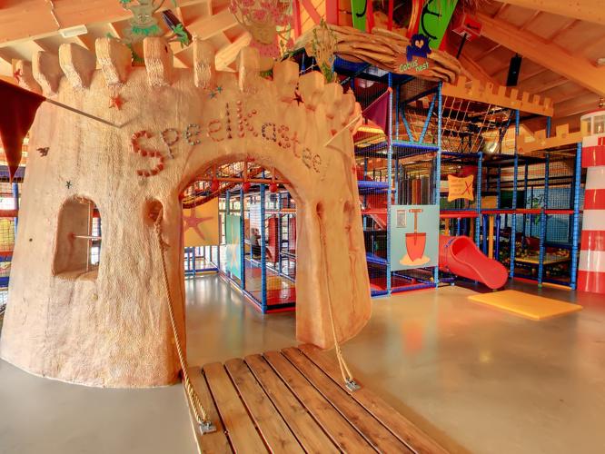 Indoorspeeltuin Kampeerdorp de Zandstuve