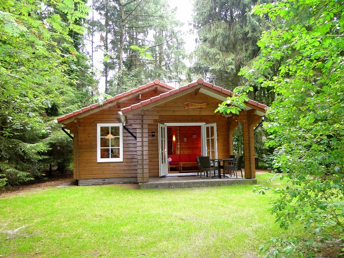 Vrijstaande bungalow met terras en tuin