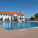 Buitenzwembad op Resort Veluwemeer