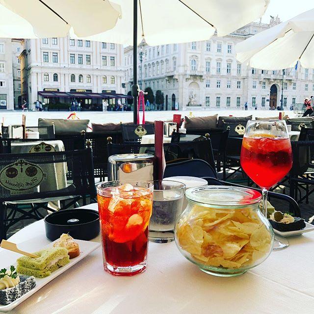 #aperitivo #negroni #piazzaunita #trieste