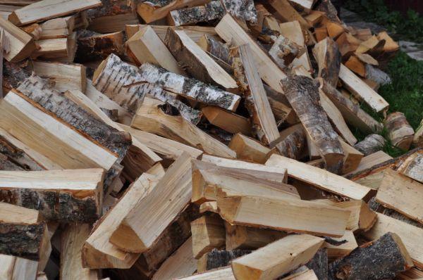 Преимущества древесного топлива и его особенности