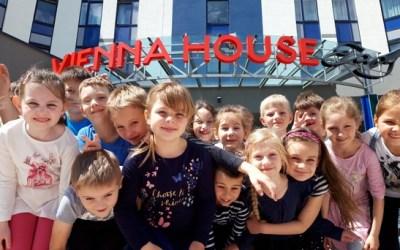 La Journée mondiale de l'enfance célébrée dans les hôtels Vienna House