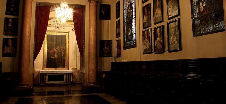 Sala o Aula Capitular. Al fondo Museo o Capilla de las Reliquias. Fuente: Catedraldevalencia