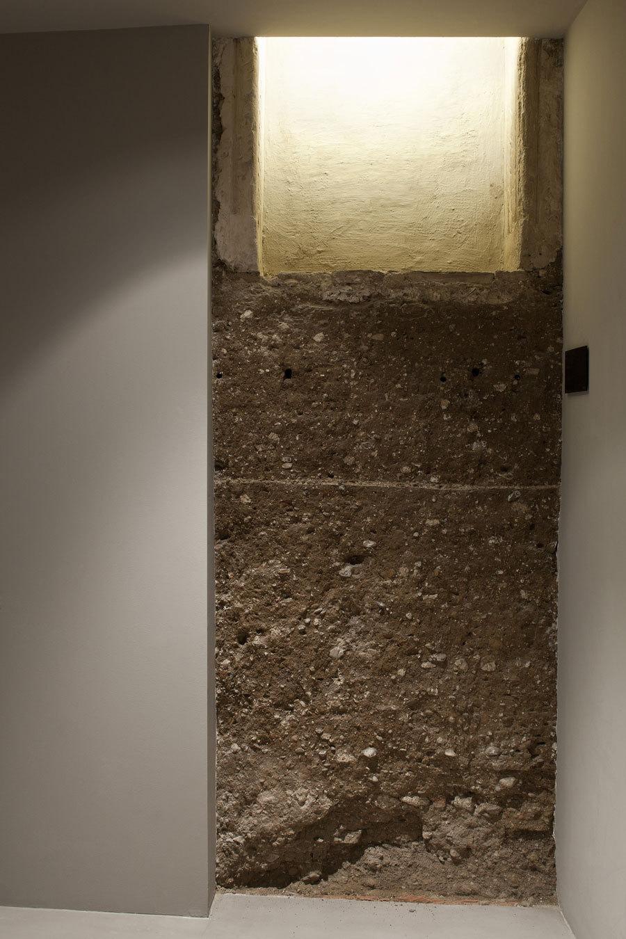 Chimenea habitación 4. Fuente: carohotel.com