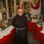 Fray Conrado: el capuchino valenciano que creaba belenes solidarios con materiales de desecho
