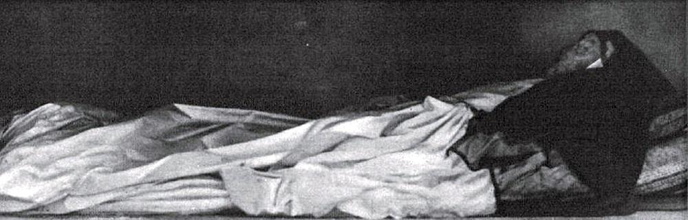 Restos de Dª Teresa que hoy descansan en Benaguacil. Fuente: buscandomontsalvatge.blogspot.com.es
