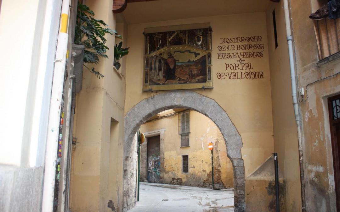 Rutas por la Valencia romana y musulmana, la Valencia del Siglo de Oro y por el arte urbano