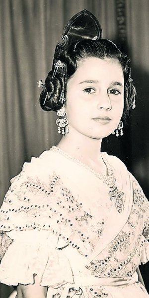Mª Carmen Martínez-Bordiu, Fallera Mayor Infantil 1960. Fuente: www.lasprovincias.es