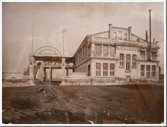 1918 balneario termas victoria. Fuente: valenciablancoynegro.blogspot.com