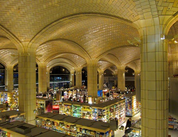 Mercado del puente de Queens. Fuente: www.naturalbuildingblog.com