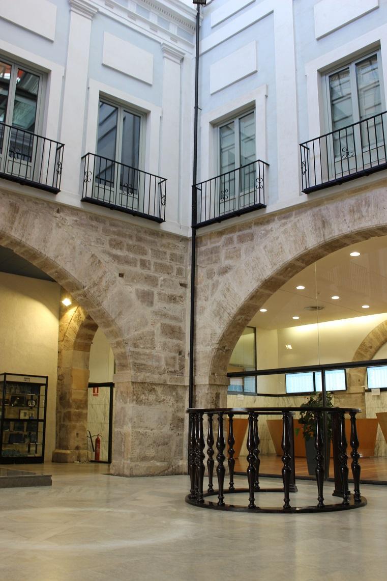 Interior de la Bolsa de Valencia. Fuente: © Valenciabonita.es – Por favor, si compartes esta imagen indica la fuente :)