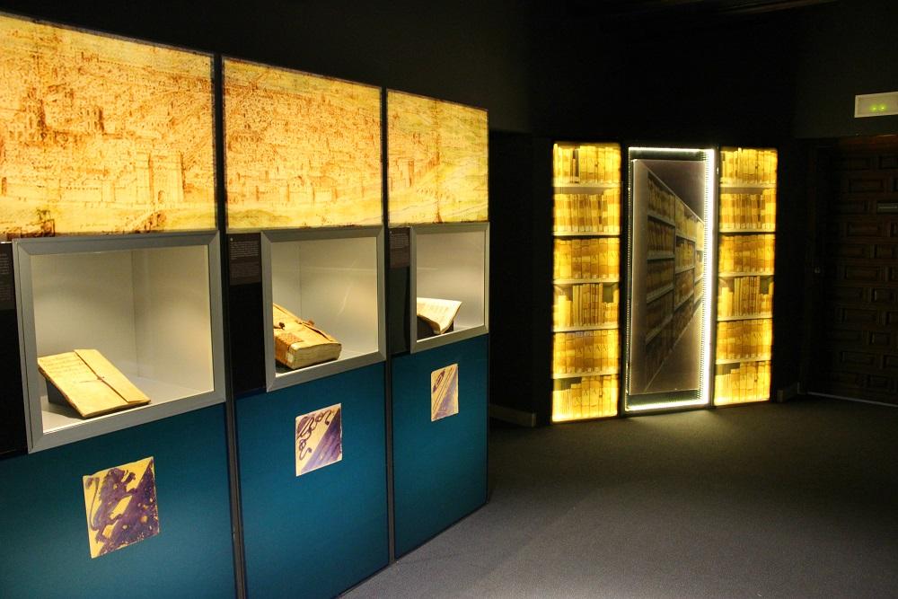 Interior del Museo de la Seda de Valencia (Colegio del Arte Mayor de la Seda). Fuente: © Valenciabonita.es – Por favor, si compartes esta imagen indica la fuente :)