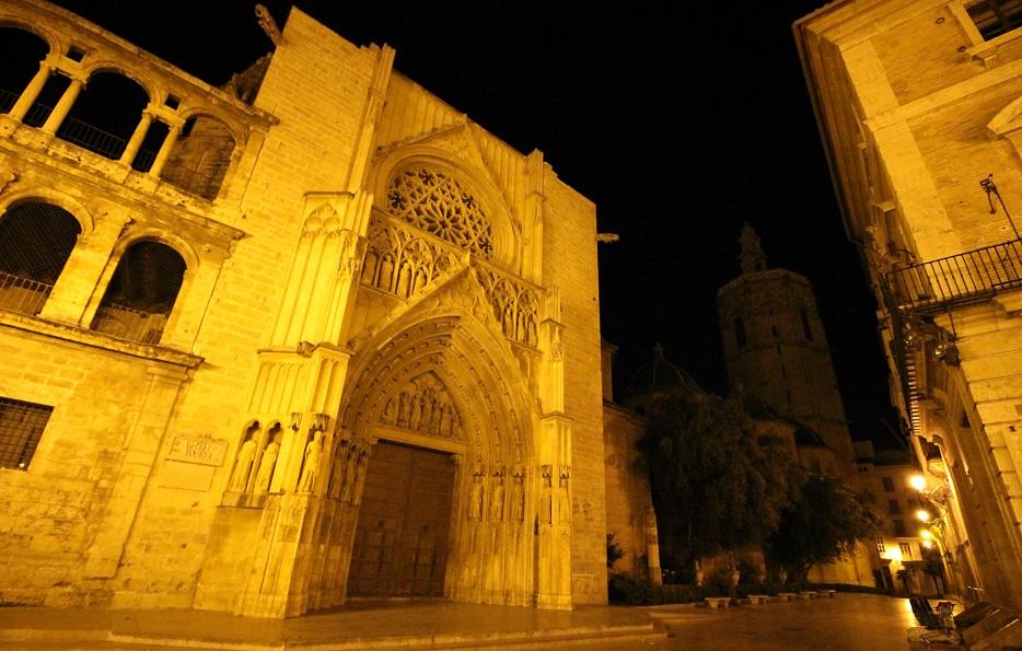 Rutas nocturnas por Valencia gracias a los amigos de CaminArt