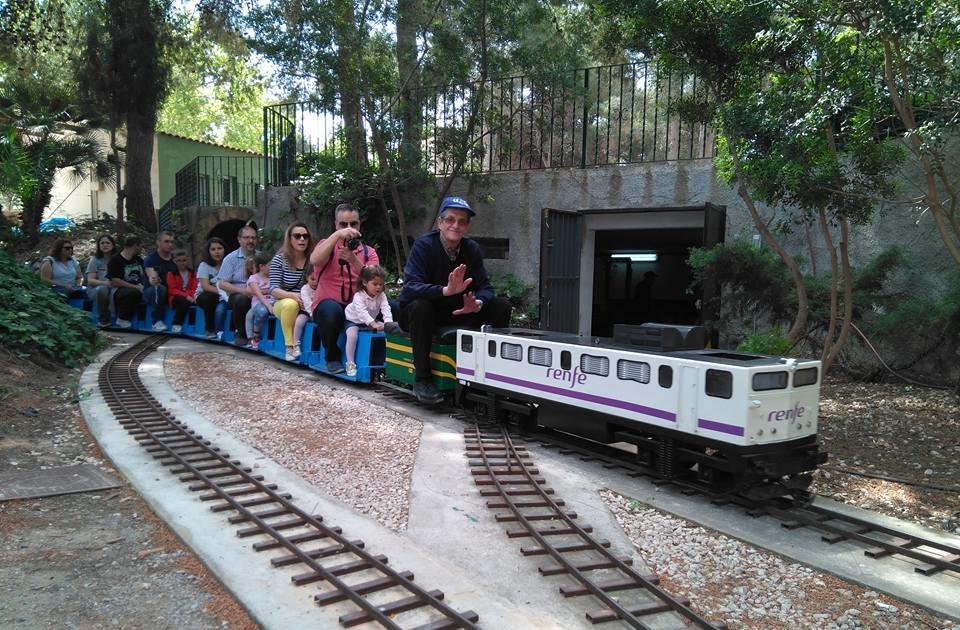 Gran exhibición de locomotoras de vapor vivo en el Centro Ferroviario Camp de Túria