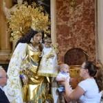 La Basílica celebra este próximo miércoles el besamanos a la Virgen de los Desamparados