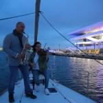 Conciertos en vivo mientras se navega y salidas en velero desde la Marina de Valencia