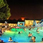 Regresan las aperturas nocturnas con fiestas temáticas a la piscina del Parque del Oeste