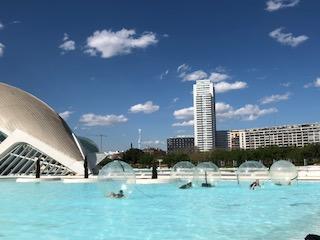 Stadt der Künste und Wissenschaften mal anders_Valencia_Aktivitäten_Wasserbälle5