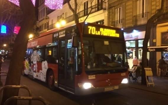 Das Nachtparkverbot auf der Busspur in Valencia tritt am 15. Mai in Kraft