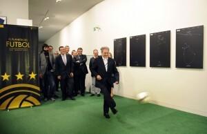 El presidente Rus realizó el saque de honor en el acto inaugural