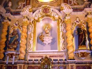 Interior de la iglesia de El Palmar con la imagen de El Niño Jesús