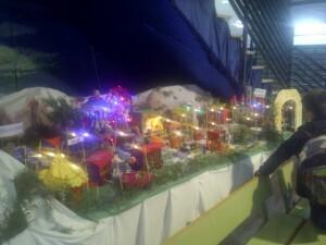 Nacimiento navideño del colegiol Santiago Grisolía recreado en una Feria de Navidad/vlcciudad