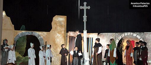 El grupo del Altar de Ribarroja durante la representación del año pasado/arantxa palacios