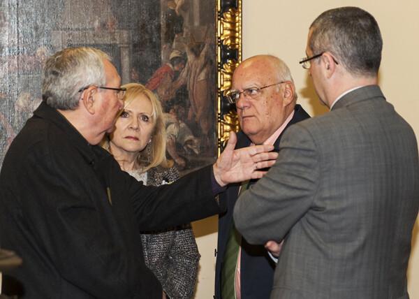 Los tres vicepresidentes de la Junta Central Vicentina y la Honorable de 2013 departen en el palacio arzobispal/Isaac Ferrera