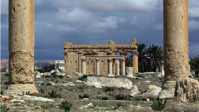 Siria Estado Islámico destruye un antiguo templo en Palmira